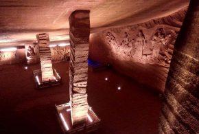 رازهای باستانی /یک غارباستانی که زیر برکه ای مخفی بود
