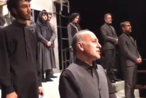 بازیگری که در روز درگذشت پدرش خوش درخشید(ویدئو)