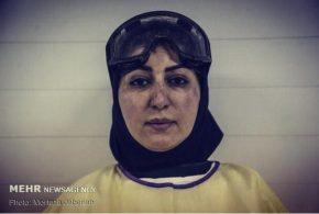 چالش عکس بی رتوش فقط عکس این خانم دکتر قهرمان پس از ۸ ساعت چشم در چشم جنگیدن با ویروس کرونا!