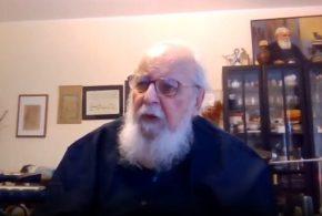 واکنش هوشنگ ابتهاج به خواندنِ شعر «ارغوان» توسط علیرضا قربانی(ویدئو)
