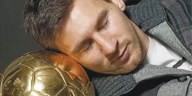 چرا خوابیدن برای یک بازیکن فوتبال عامل مهمی برای موفقیت است ؟/چرت پیروزی