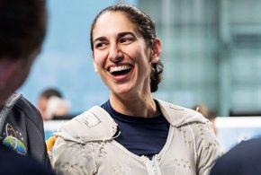 ببینید | نخستین زنی که قرار است پا بر کره ماه بگذارد، این خانم ایرانی الاصل است